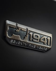 108181-11_jeep-badge-75th-anniversary