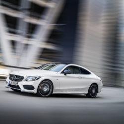 Mercedes-AMG C 43 Coupé, Exterieur: Diamantweiß, Kraftstoffverbrauch (l/100 km) innerorts/außerorts/kombiniert:  10,6/6,2/7,8CO2-Emissionen kombiniert: 178 g/kmexterior: diamond white, Fuel consumption (l/100 km) urban/ex urban/combined:  10.6/6.2/7.8combined CO2 emissions:  178 g/km