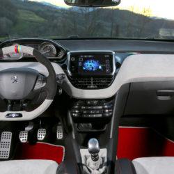 Peugeot 208 GTiNOVE (12)