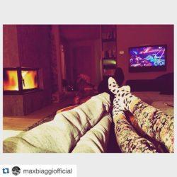 Insieme a guardare Sanremo sul divano