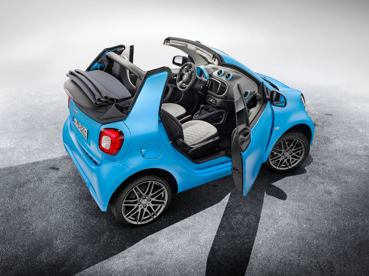 smart fortwo cabrio brabus edition foto. Black Bedroom Furniture Sets. Home Design Ideas