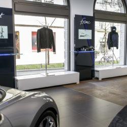 110294-02_bugatti_opening_munich_showroom-boutique