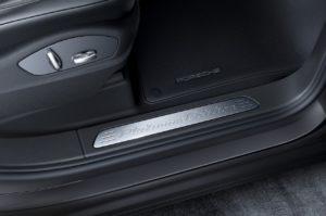 Porsche Cayenne Platinum Edition (7)