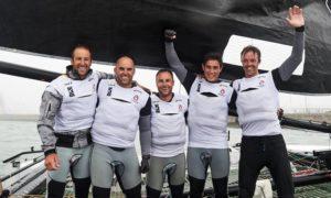 Alinghi festeggia la vittoria dell'Act2 dell'Extreme Sailing Series