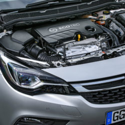 In addition to outstanding fuel efficiency, flexibility is the highlight of the new 118 kW/160 hp Opel Astra 1.6 BiTurbo CDTI engine. The maximum 350 Newton meters of torque are available at only 1,500 rpm.