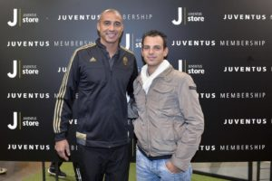 Foto LaPresse - Daniele Badolato 02/10/2015 Torino ( Italia) Sport Calcio ESCLUSIVA JUVENTUS Aperitivo al JStore per i Juventus member in compagnia di Moreno Torricelli e David Trezeguet Nella foto: l'aperitivo Photo LaPresse - Daniele Badolato 02 October 2015 Turin ( Italy) Sport Soccer Juventus member at Juventus Store with David Trezeguet and Moreno Torricelli In the pic: the event