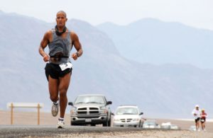 http://archive.defense.gov/DODCMSShare/NewsStoryPhoto/2007-07/hrs_DavidGoggins2.jpg