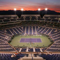 4. L'Indian Wells Tennis Garden è un complesso tennistico situato a Indian Wells, una cittadina all'interno della Coachella Valley, in California, che ospita anche il Master di Indian Wells, il quinto torneo di tennis del mondo, dopo i 4 del Grande Slam. Costruito nel 2000, con un costo di 77 milioni di $, possiede un totale di 29 campi, tra cui il principale con una capacità di 16.100 spettatori seduti in California, è la casa del quinto torneo più prestigioso del mondo, il Bnp Paribas Open. Il complesso, costato 77 milioni di dollari, è costituito da un campo centrale da 16.100 posti.