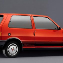 L-Fiat-Uno-Turbo-ie
