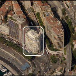 Le terrazze dell'Ermanno Palace, offrono una vista panoramica su quasi il 75% del circuito. Vista sulla griglia di partenza/arrivo, la curva di Santa Devota, la salita di Ostenda verso il Casino, l'uscita del Tunnel, lo schermo gigante, la curva del tabaccaio e la shicane della Piscina.
