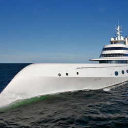 Super yacht A – 323 milioni di dollari. Non è l'esterno o le sue dimensioni che rendono questo yacht così impressionante è l'interno che è stato progettato con tutti i comfort moderni che si possa immaginare