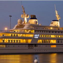 Al Said - 300 milioni di dollari. Il panfilo il cui nome è il medesimo del suo proprietario, Al Said, può raggiungere 22 nodi e ospitare fino a 70 persone senza contare i membri dell'equipaggio