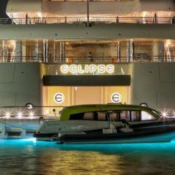 Eclipse - 1,2 Miliardi di dollari. Di proprietà  del milionario russo Roman Abromavich, è uno dei più conosciuti del settore della nautica e del lusso. L' Eclipse raggiunge i 536 piedi