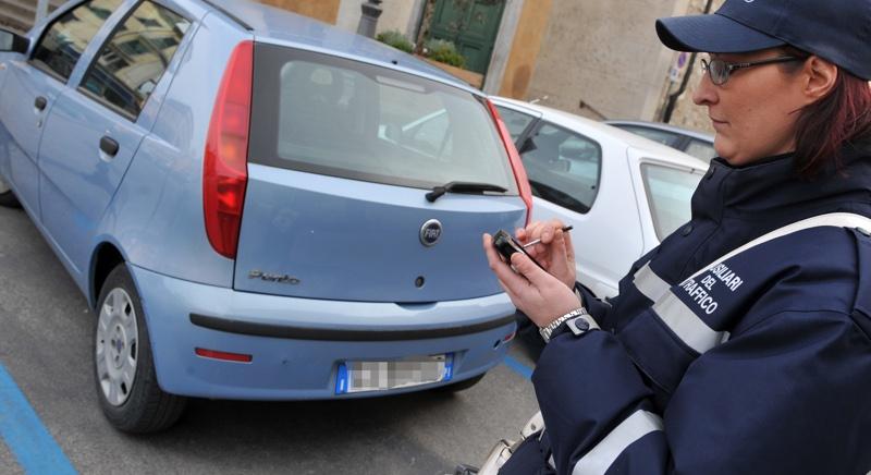 strisce blu parcheggi