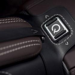 Aston Martin Vantage GT12 Roadster (10)