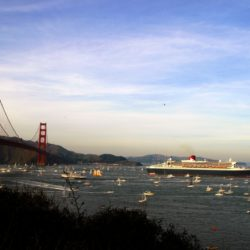 RMS_Queen_Mary_2_in_san_francisco_bay
