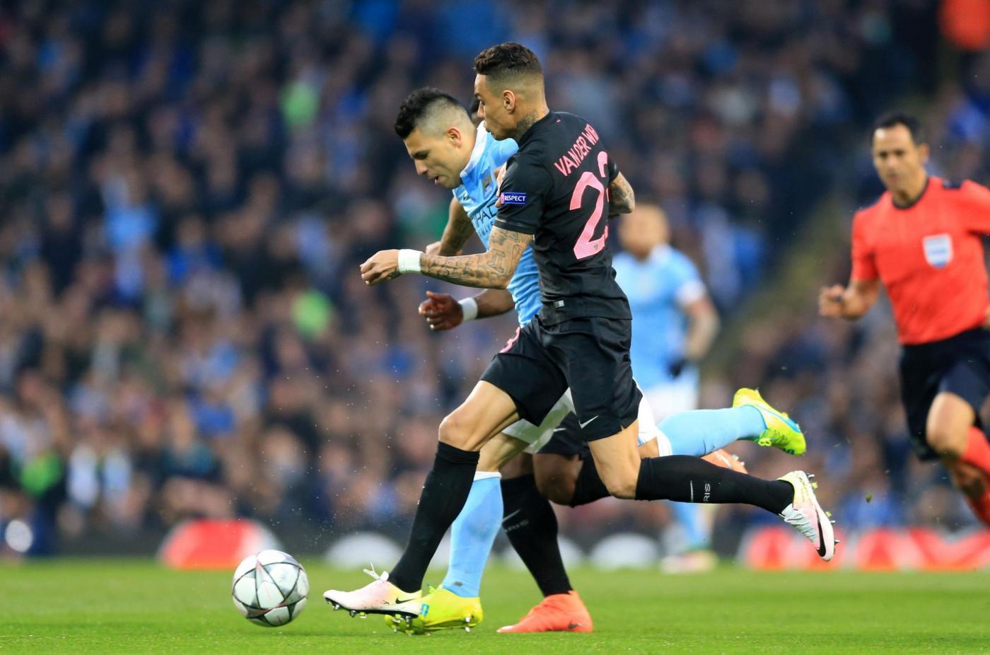 Non solo Inter: anche il PSG lavora per Aguero e Sanchez