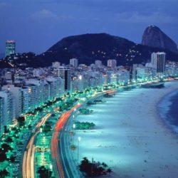 Spiaggia di Copacabana di notte