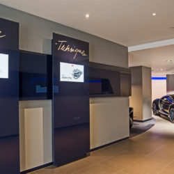 bugatti chiron showroom (2)