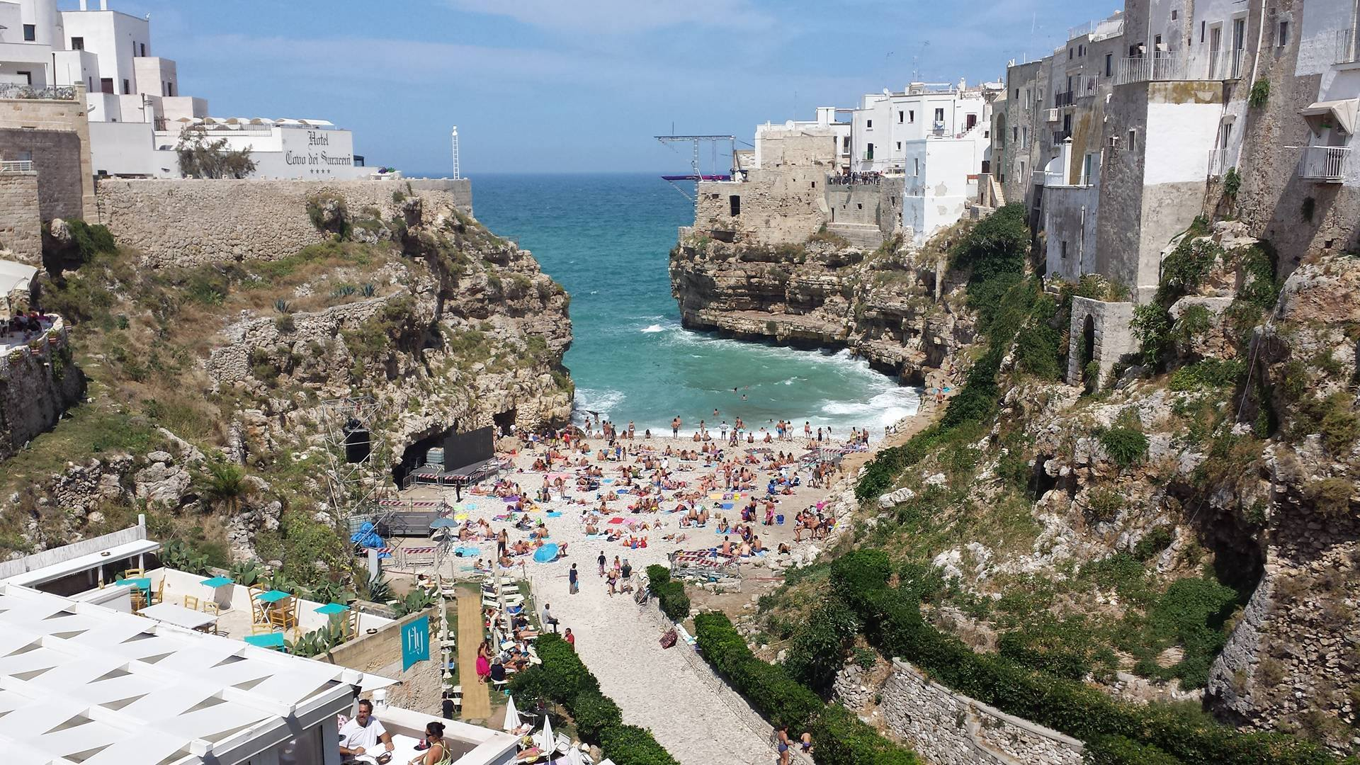 Tuffi: Red Bull cliff diving a Polignano