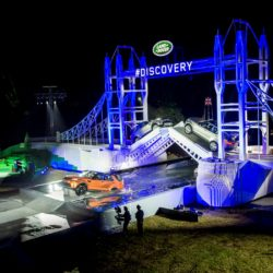 Land Rover reveals the New Discovery alongside world record breaking Leg...