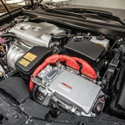 Lexus-UX  4