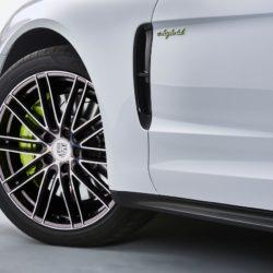 Porsche-Panamera_4_E-Hybrid-2017-1280-0b