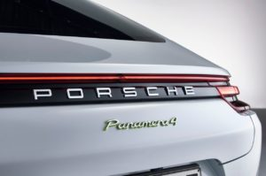 Porsche-Panamera_4_E-Hybrid-2017-1280-0c