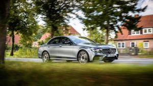 E43AMG_4MATIC_Saloon_selenite_grey_(20)