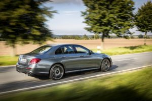 4MATIC_Saloon_selenite_grey_(21)