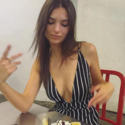 Emily Ratajkowski 7