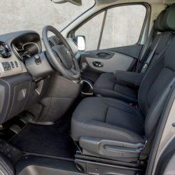 Nissan NV300 8