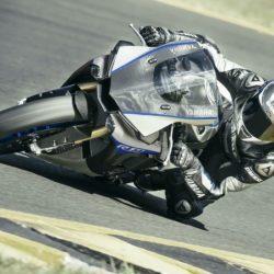Yamaha YZF-R1M,  (3)