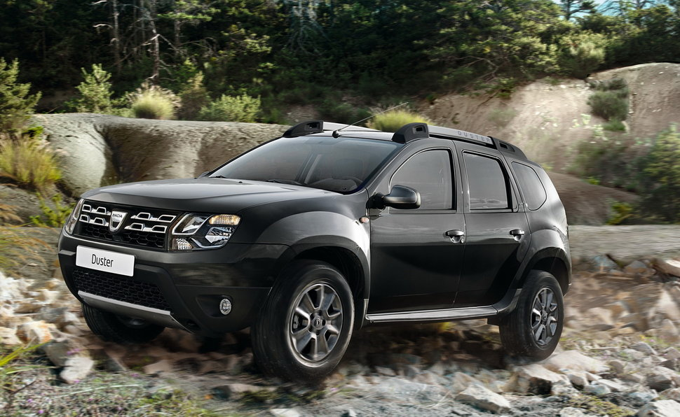 dacia duster black shadow dotazione premium e prezzo low cost foto. Black Bedroom Furniture Sets. Home Design Ideas