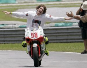 marco_simoncelli_world_champion_08_600 (1)