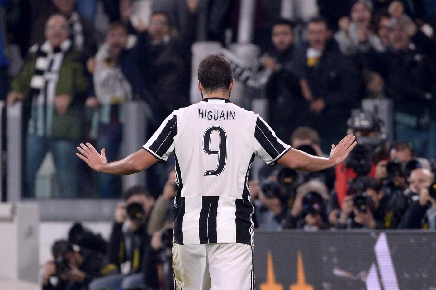 Serie A: Higuain ritrova il Napoli, la Juventus prova a scappare