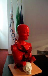 1-Presentazione della scultura -Femminicidio- di Guadagnuolo al Palazzo del Coni Roma