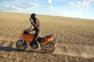 Paolo Pirozzi nel deserto del Gobi