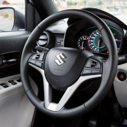 Suzuki Ignis  (5)