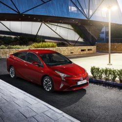 Toyota Prius Plug-in (1)