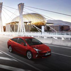 Toyota Prius Plug-in (11)