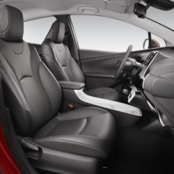 Toyota Prius Plug-in (8)