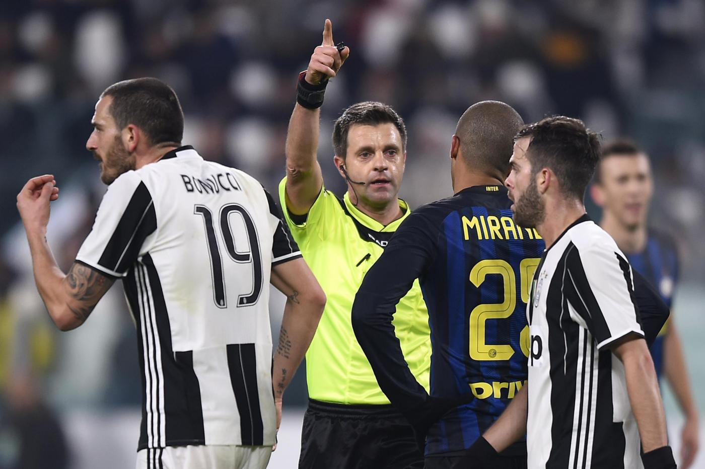 Elkann attacca l'Inter:
