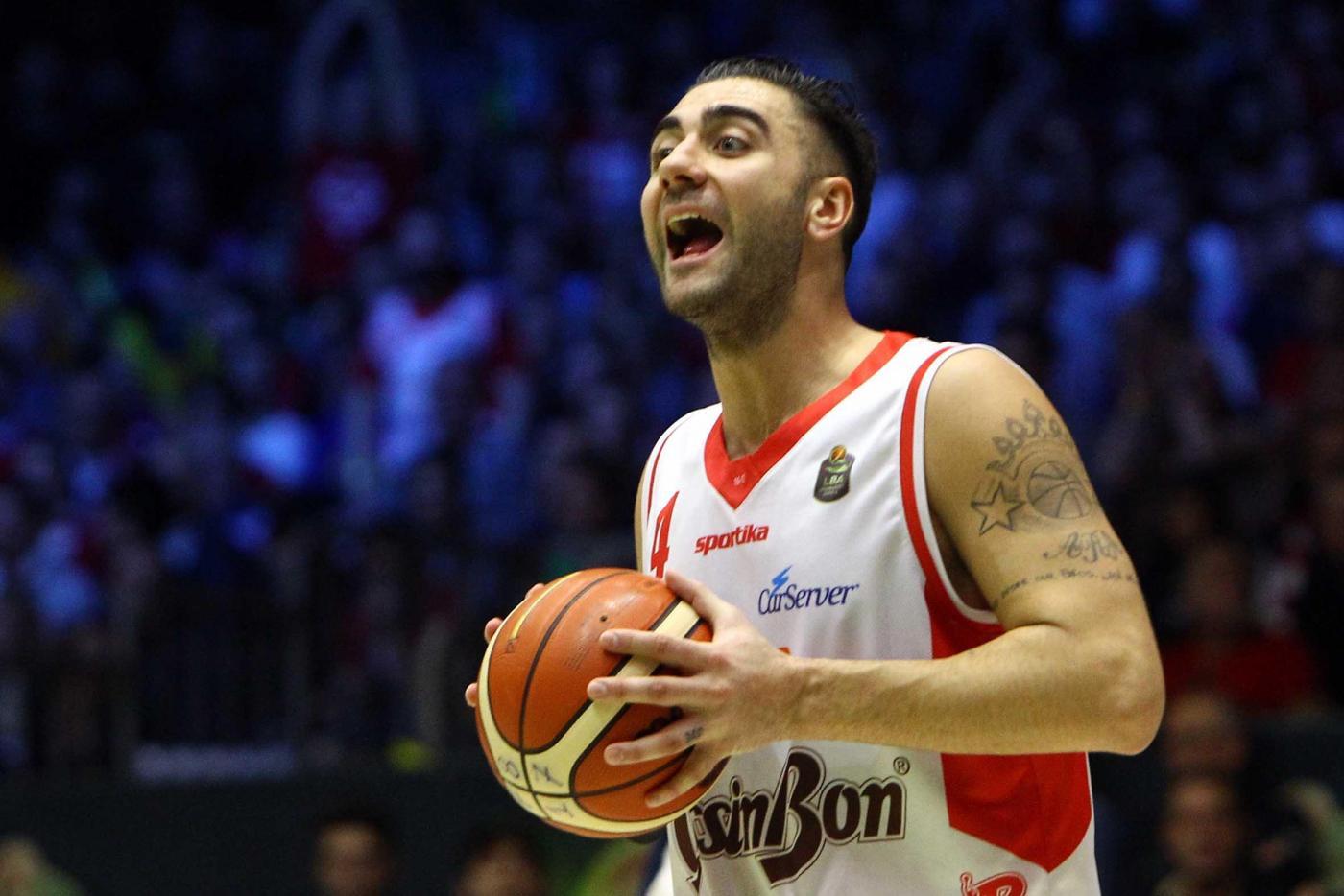 Basket:Coppa Italia,ok R.Emilia e Milano