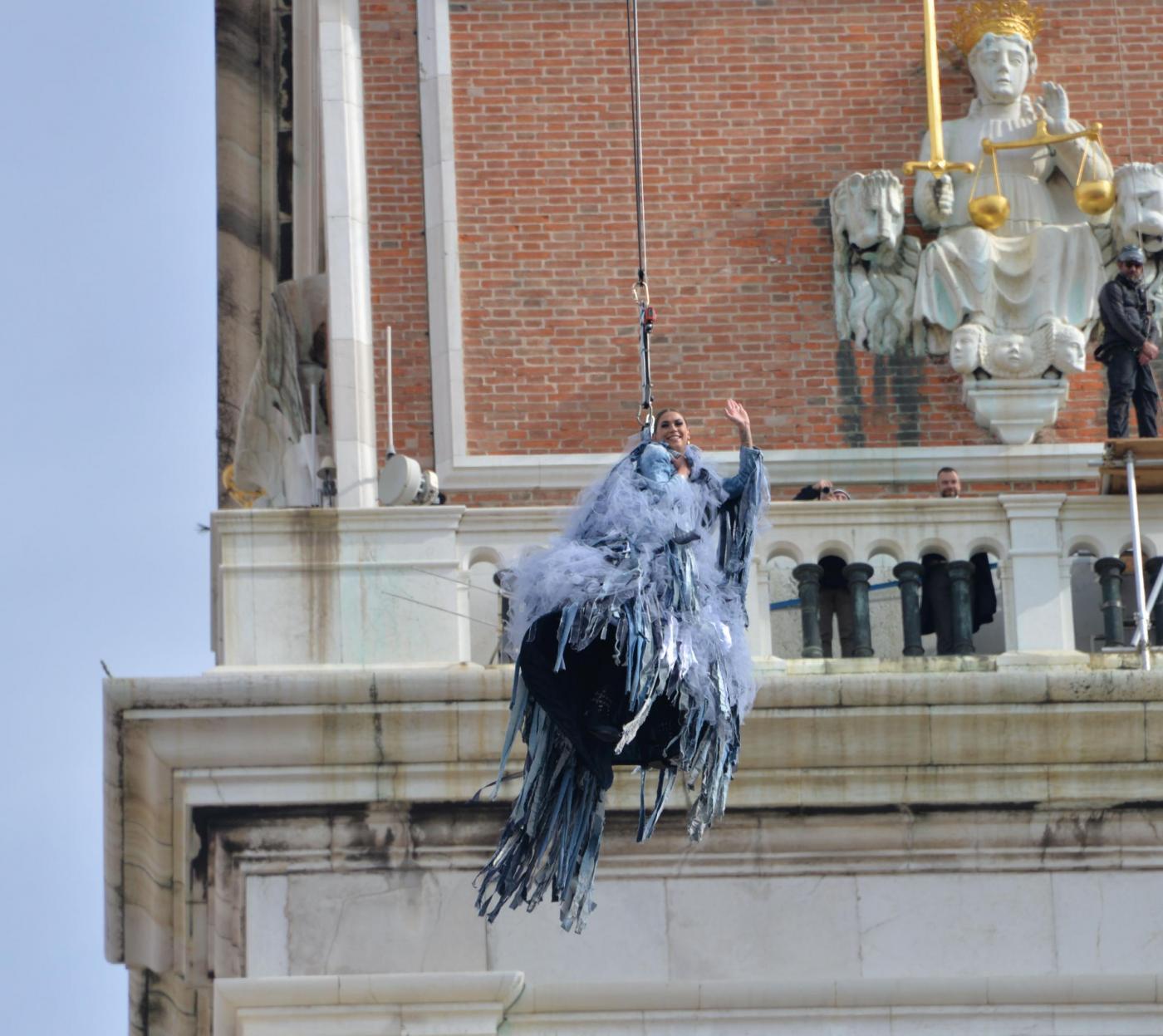 Carnevale di Venezia 2017, Melissa Satta protagonista del Volo dell'Aquila…