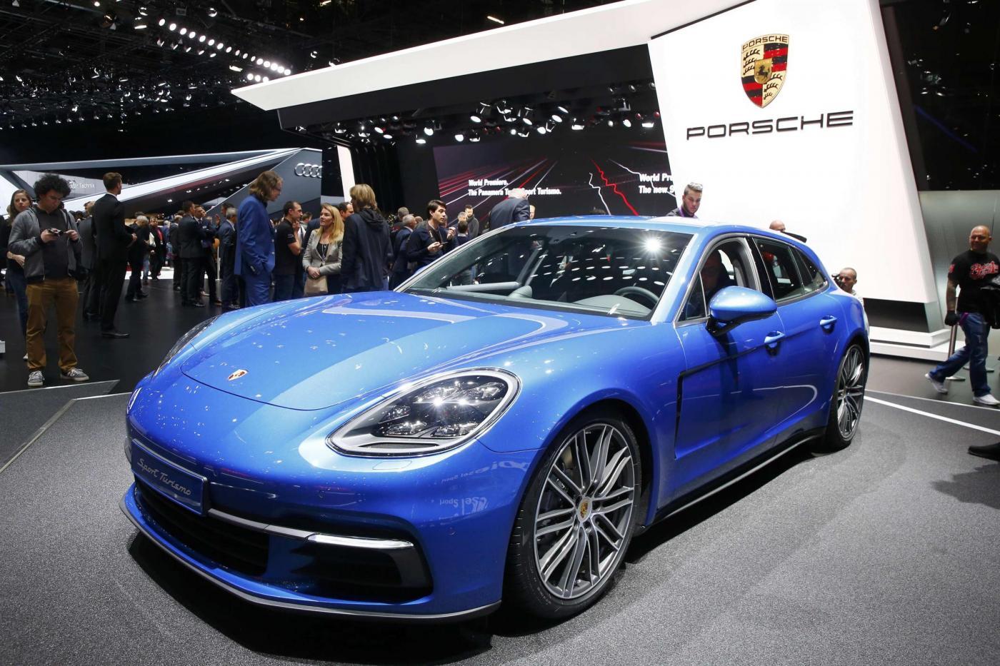 Porsche ag il costruttore di vetture ha acquistato il 35 for Costruttore di layout gratuito