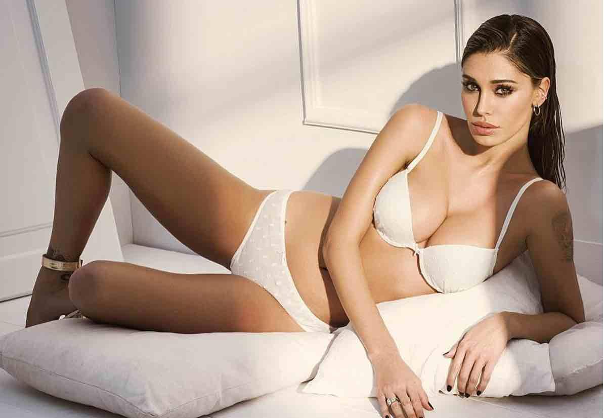sexy nude esmeralda boobs