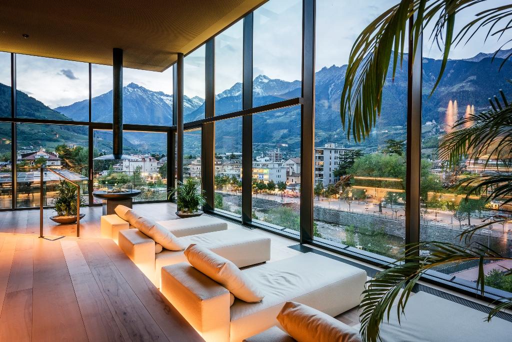 inaugurata la sky spa dell hotel terme merano ecco la gallery del nuovo centro benessere di 3. Black Bedroom Furniture Sets. Home Design Ideas