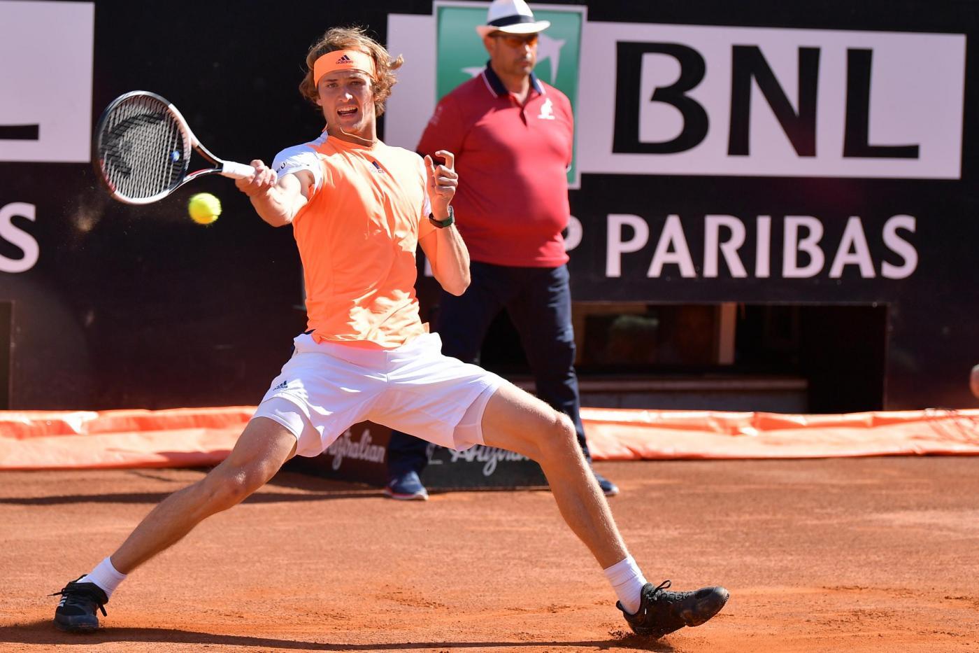 Open di Roma: Djokovic ko, vince Zverev