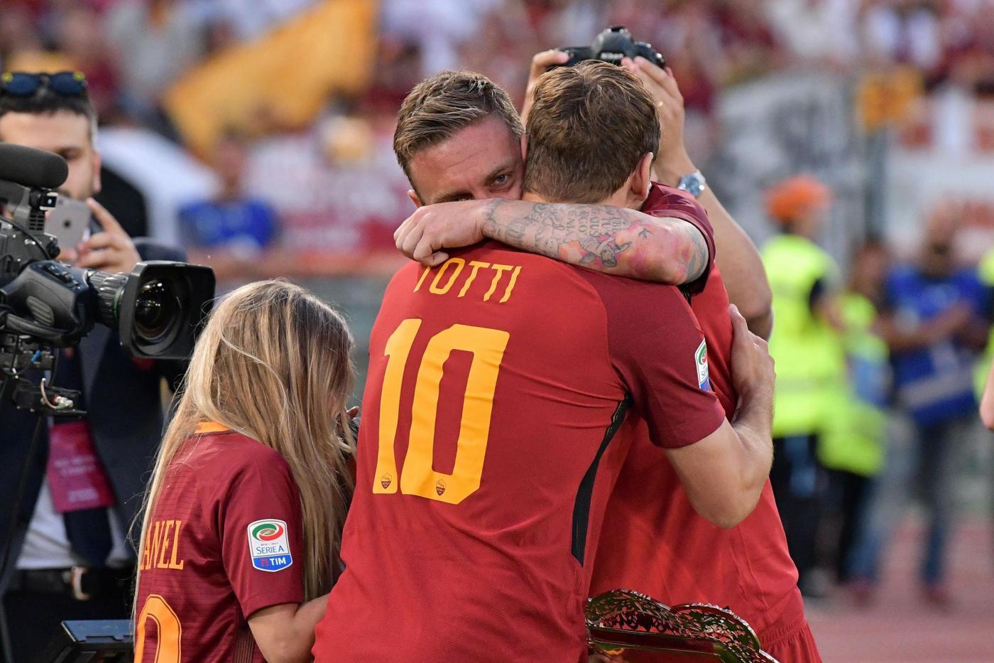 Nesta non molla, vuole portare Totti a Miami